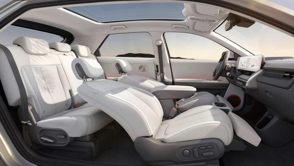 Hyundai Ioniq 5 có thể ngả tối đa, mang đến cảm giác thoải mái cho người ngồi