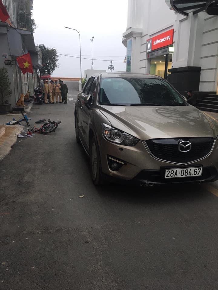 Chiếc ô tô Mazda CX-5 tại hiện trường vụ tai nạn