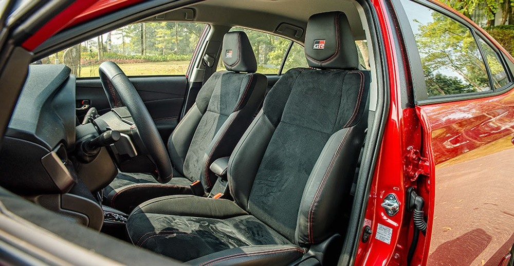 Nội thất bên trong xe ô tô Toyota Vios 2021