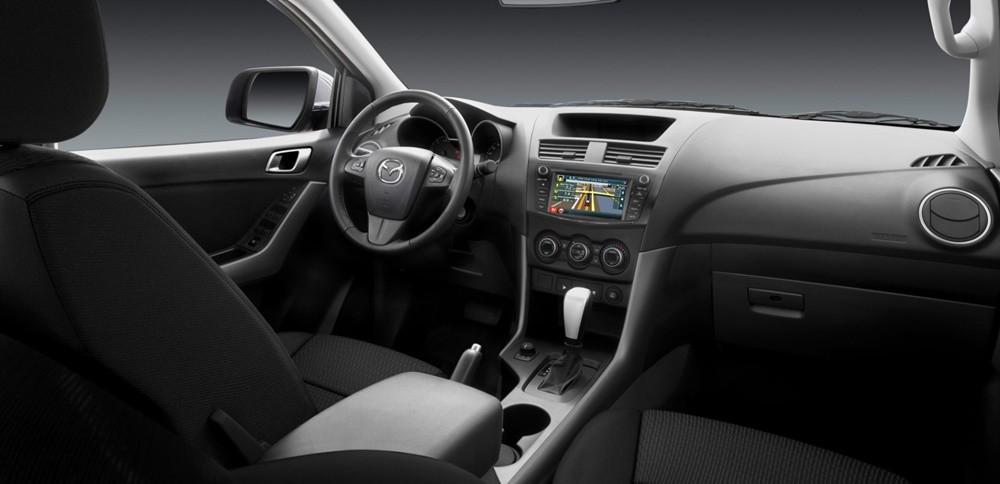 Không gian bên trong Mazda BT-50 mới nhất