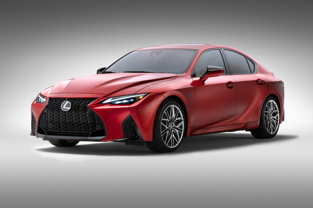 Lexus IS 500 F Sport Performance 2022 trình làng