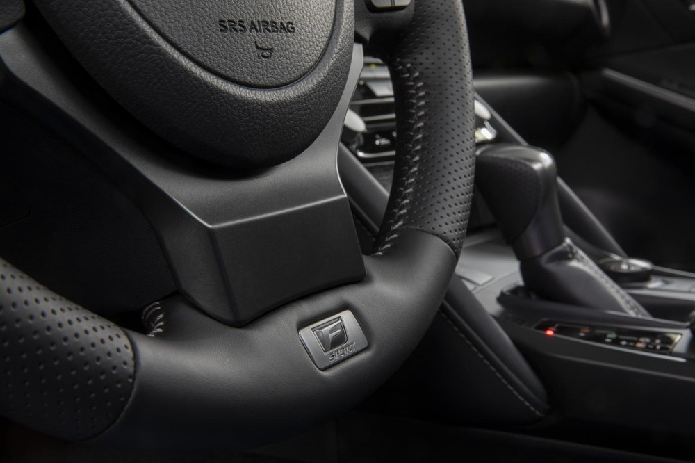 Vô lăng của Lexus IS 500 F Sport Performance 2022
