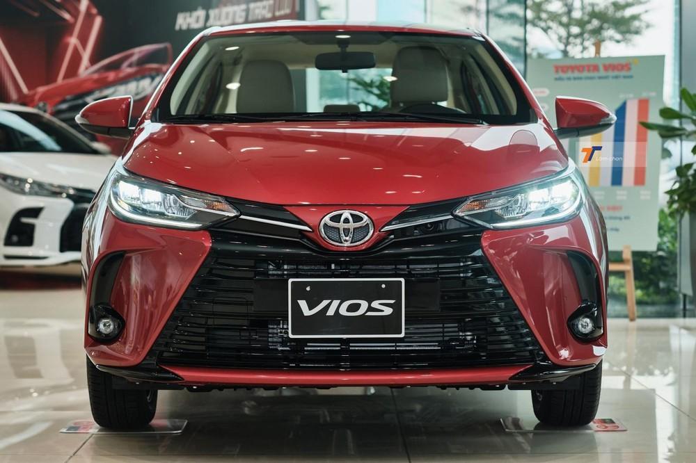Thiết kế ngoại thất của Toyota Vios G CVT 2021 thay đổi chủ yếu ở phần đầu xe.