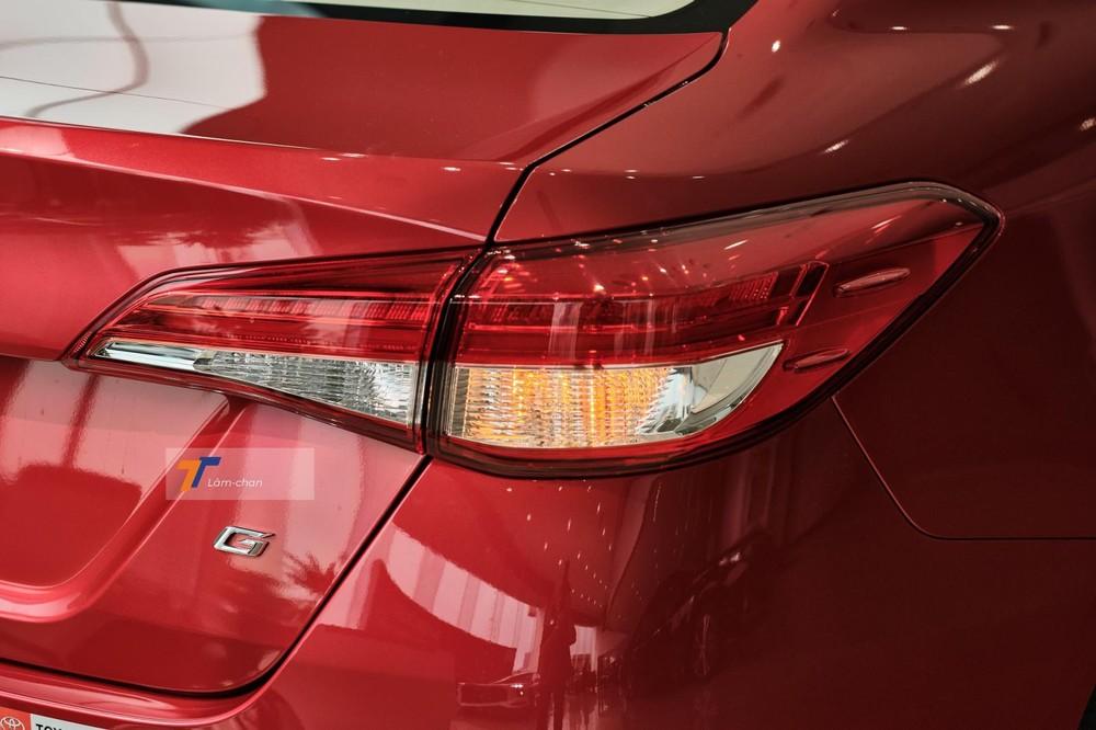 Thiết kế cụm đèn hậu của xe vẫn giữ nguyên, bên trong sử dụng bóng LED.