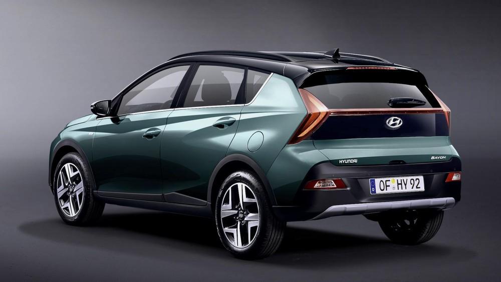 Hyundai Bayon 2021 có những đường dập gân sắc sảo và góc cạnh