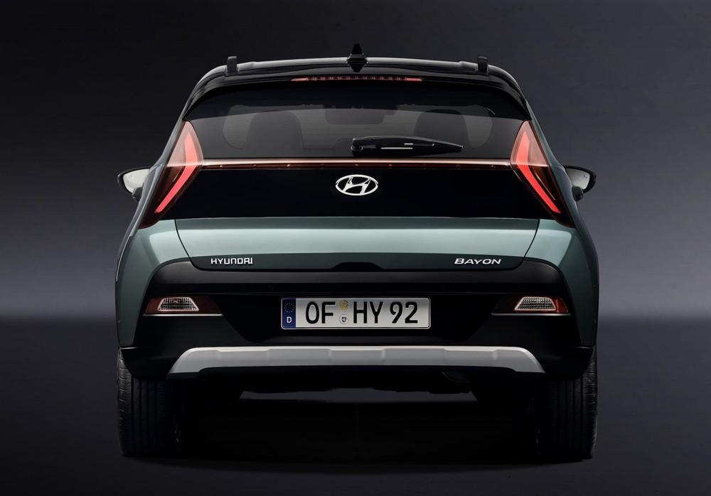 Hyundai Bayon 2021 nhìn từ phía sau