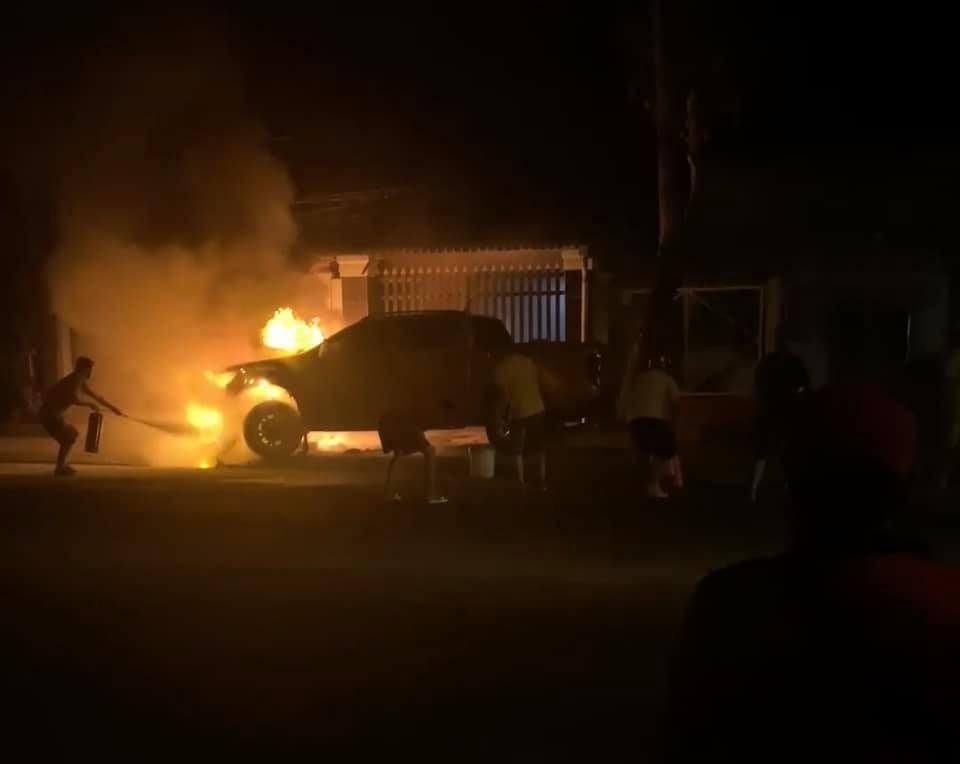 2 phương tiện bốc cháy sau vụ tai nạn
