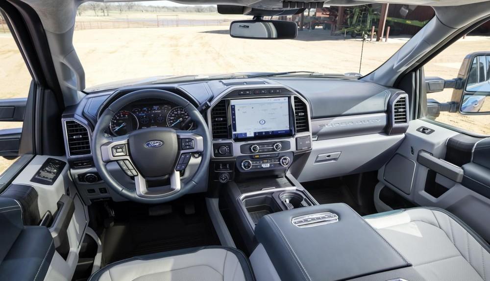 Nội thất màu xanh đậm của Ford Super Duty 2022