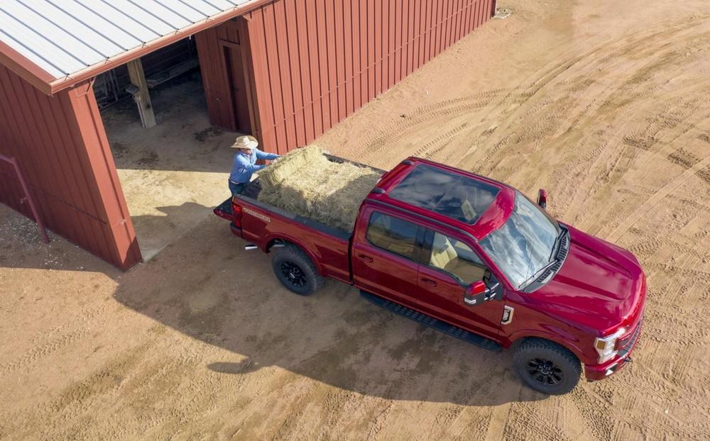 Hãng Ford khẳng định Super Duty có khả năng kéo hàng đầu phân khúc