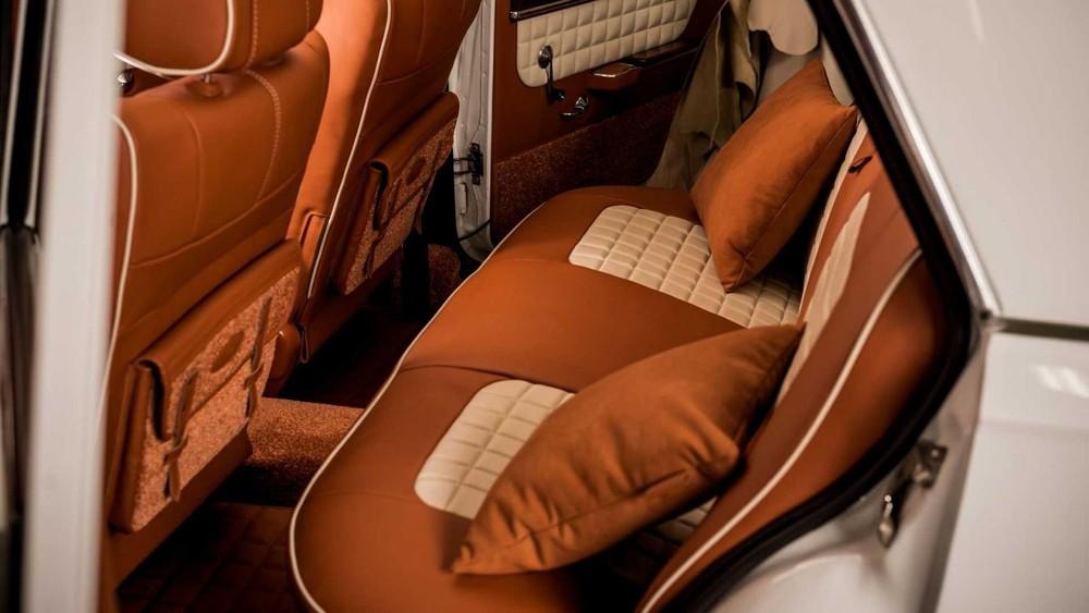 Hàng ghế thứ hai của chiếcLada VAZ 2101 độ