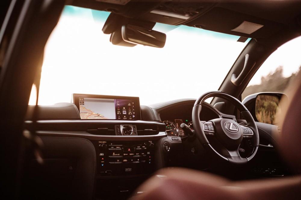Nội thất sang trọng của Lexus LX570 S 2021
