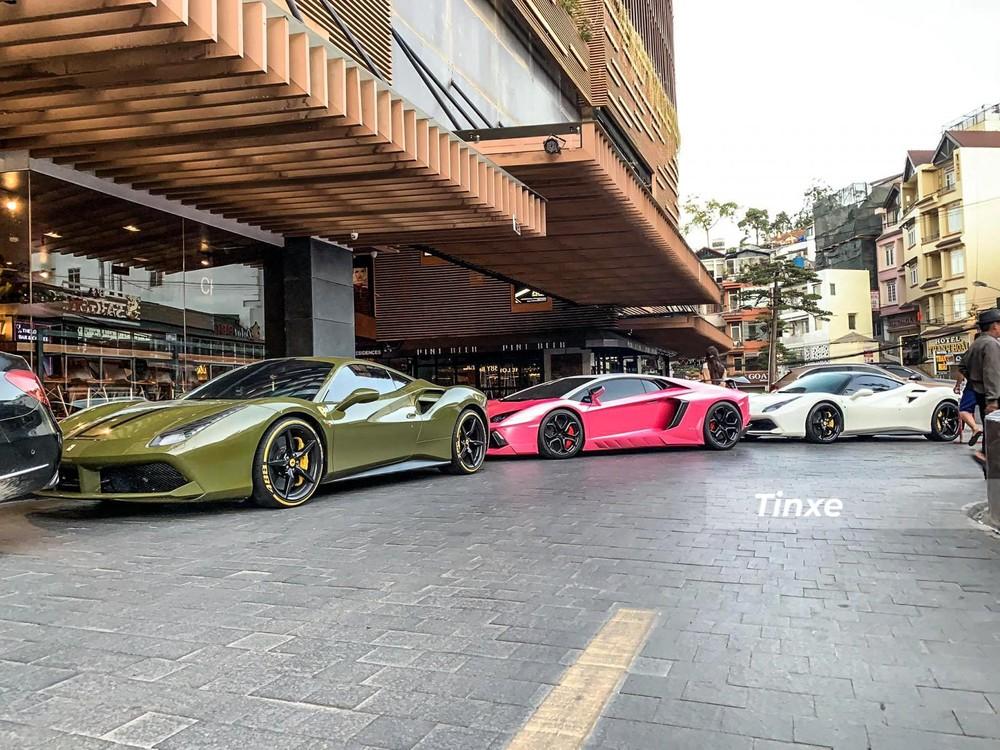 Ngoài những chiếc siêu xe Ferrari đẹp mắt, đoàn xe này còn có một chiếc xe Lamborghini duy nhất mang phiên bản Aventador LP700-4