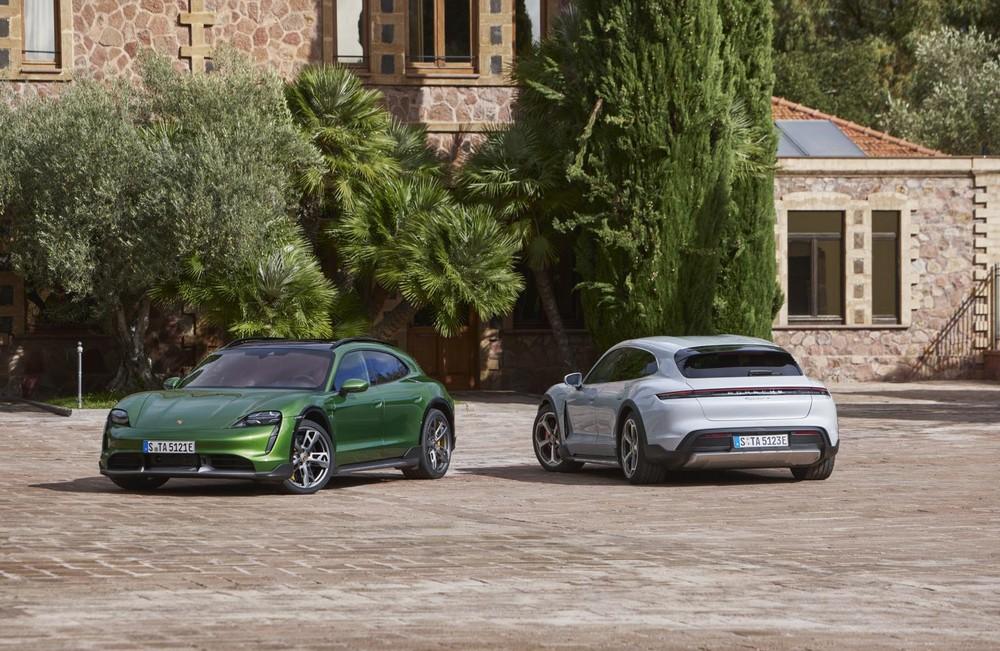 Porsche Taycan Cross Turismo chính thức được ra mắt.