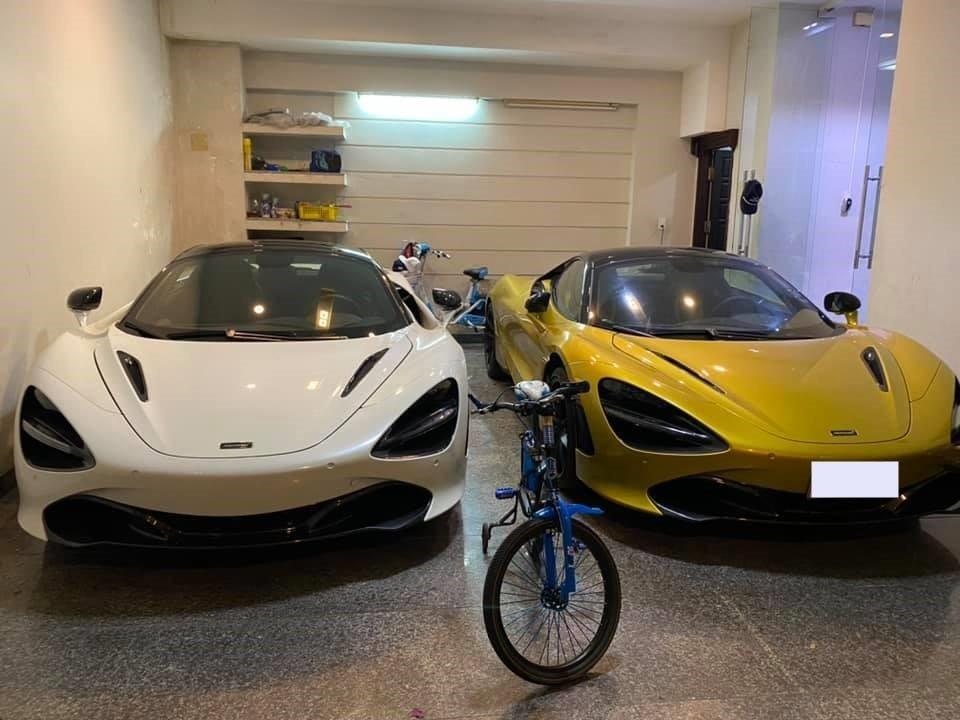 Hai chiếc McLaren 720S Spider đỗ cạnh nhau