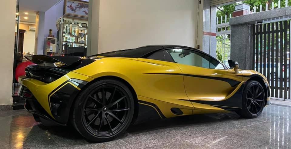 McLaren 720S Spider màu vàng Solis Elite được chủ nhân Đà Nẵng khoác bộ áo lạ mắt