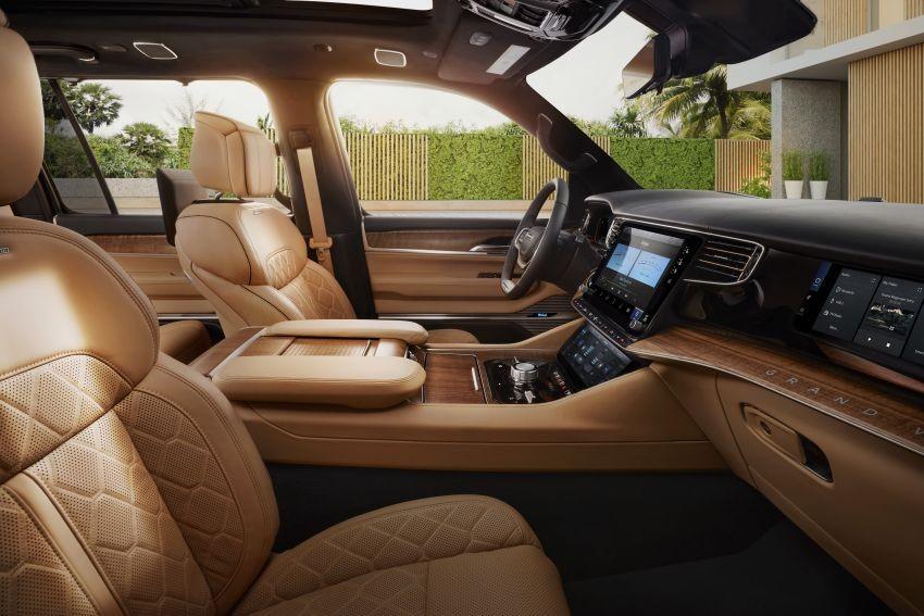 Ghế trước của Jeep Grand Wagoneer 2022