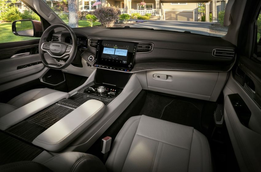 Nội thất bên trong Jeep Wagoneer 2022