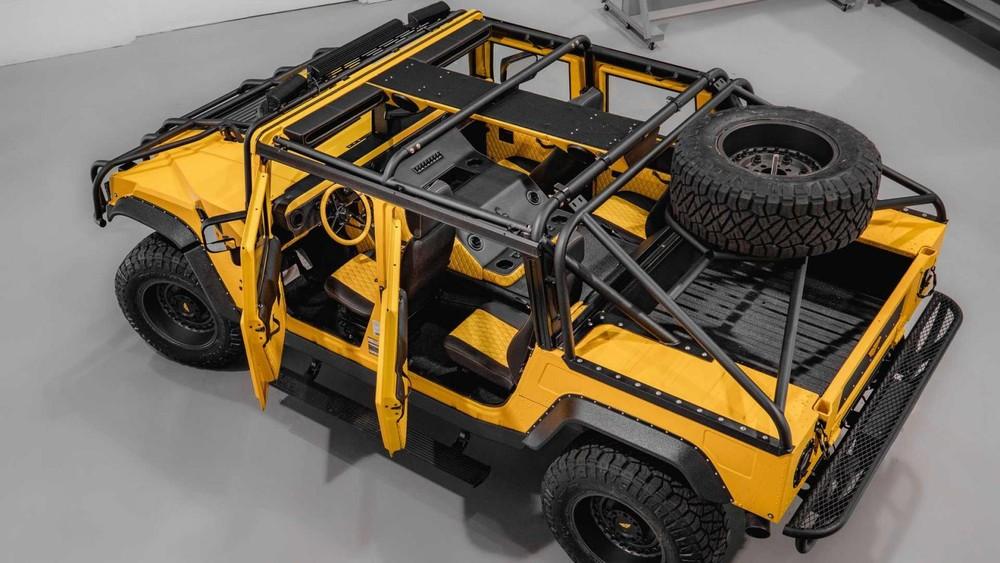 Chiếc M1-R cụ thể này có giá412.000 USD