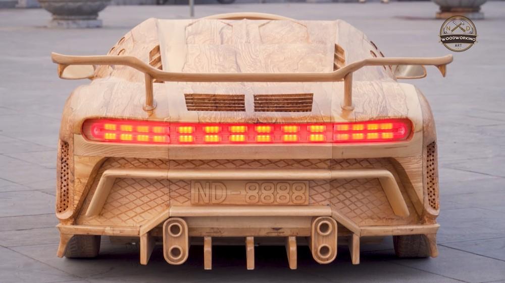 Đèn hậu của chiếc Bugatti Centodieci