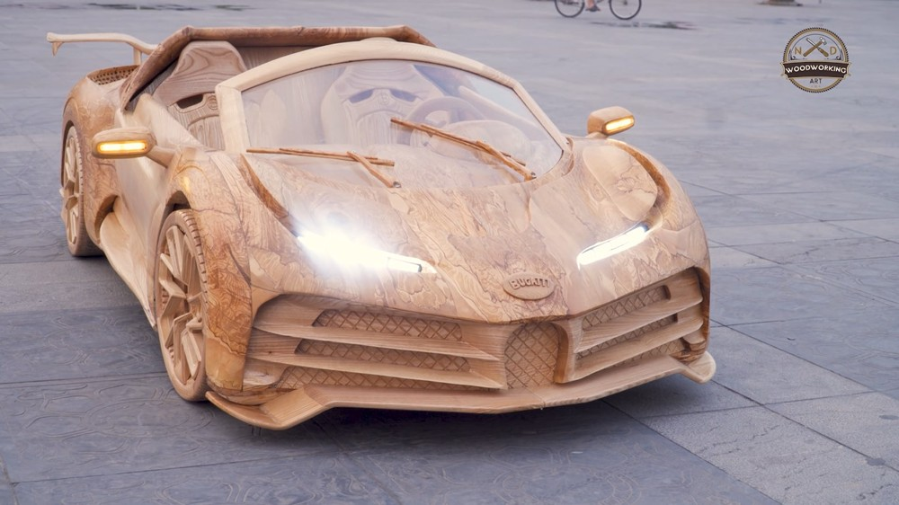 Chiếc Bugatti Centodieci bằng gỗ có đủ đèn pha