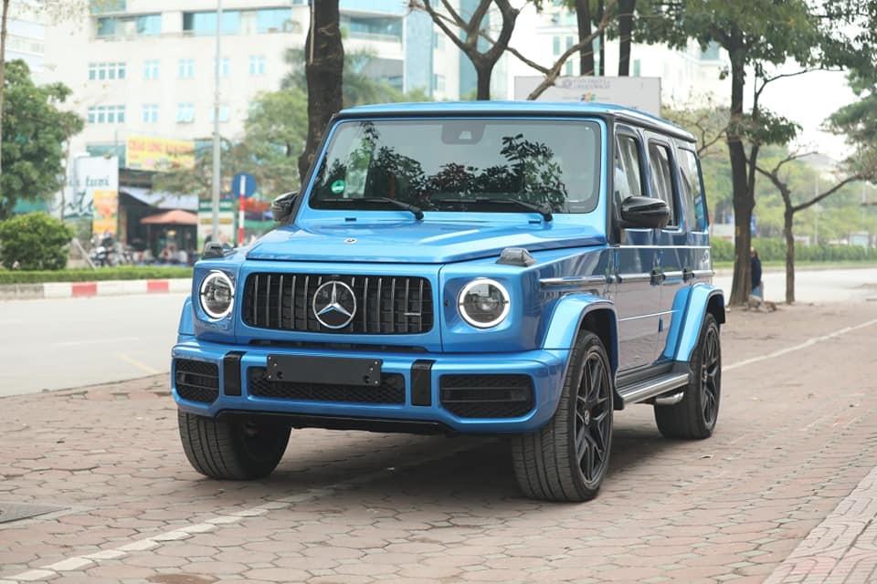 Bộ áo của chiếc Mercedes-AMG G63 này mang tên Brilliant Blue Metallic