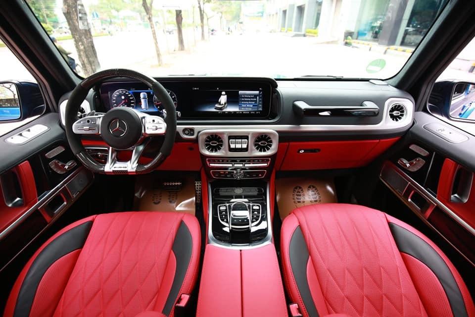 Toàn cảnh khoang lái của Mercedes-AMG G63