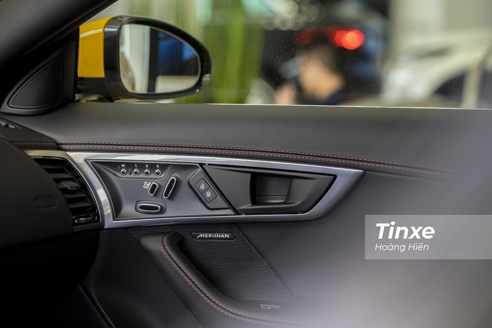 Dàn âm thanh cao cấp Meridian trên Jaguar F-Type 2021.