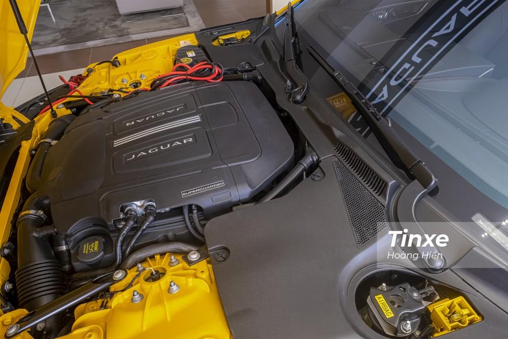 Jaguar F-Type Coupe 2021 được trang bị động cơ siêu nạp V6 dung tích 3.0L.