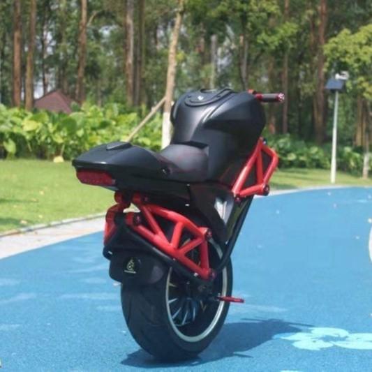 Mẫu xe có thiết kế như Ducati Monster 795