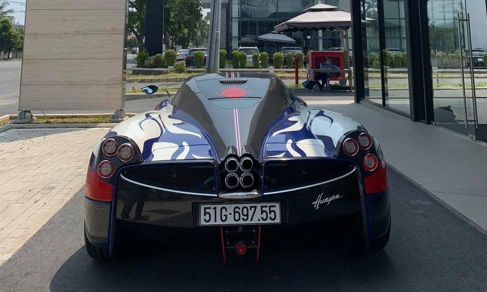 Rất có thể Minh Nhựa lái Pagani Huayra đi chốt đơn mua xe của Aston Martin Việt Nam