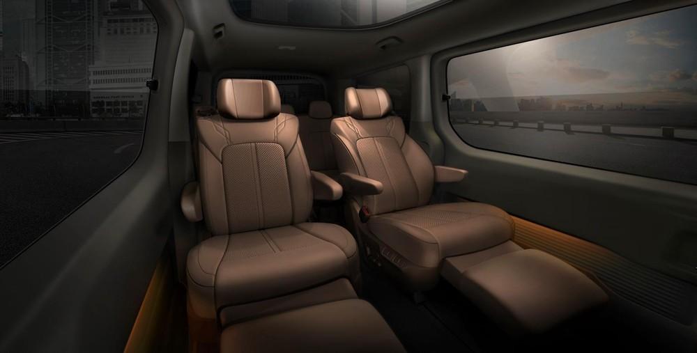 Ghế giữa của Hyundai Staria có chế độ thư giãn