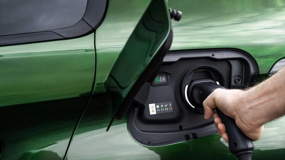 Peugeot 308 2021 có 2 phiên bản plug-in hybrid