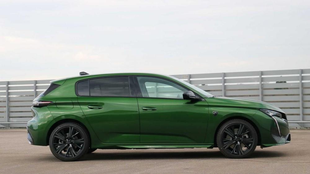 Peugeot 308 2021 nhìn bên sườn