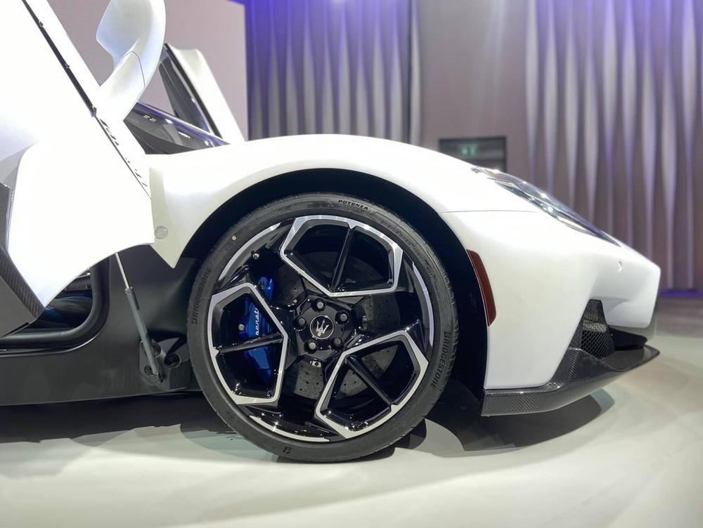 Bộ mâm trên siêu xe McLaren MC20