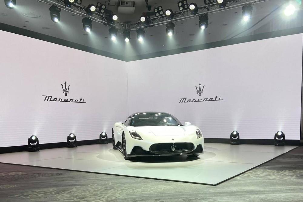 Siêu xe Maserati MC20 lần đầu tiên đến Đông Nam Á với giá bán 16 tỷ đồng