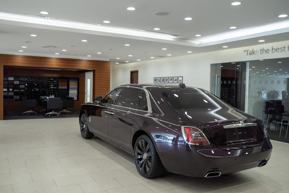 Rolls-Royce Ghost thế hệ mới chính hãng đầu tiên về Campuchia khiến nhà giàu Việt phát thèm