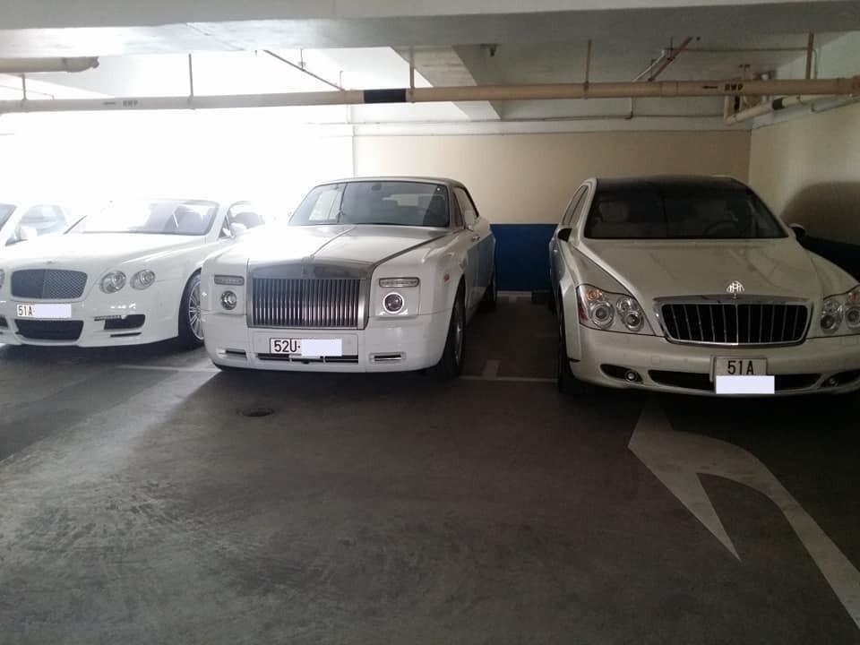 Maybach 62S màu trắng của doanh nhân ngành thực phẩm cùng Rolls-Royce Phantom mui trần và Bentley Continental GT màu trắng