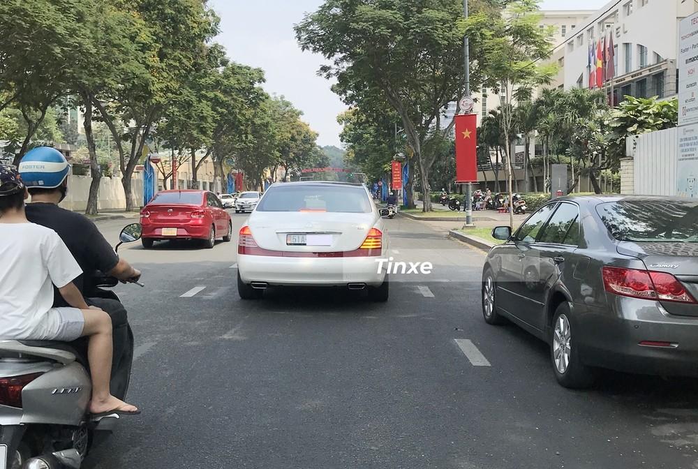Maybach 62S màu trắng siêu hiếm tại Việt Nam của doanh nhân ngành thực phẩm tại Sài thành