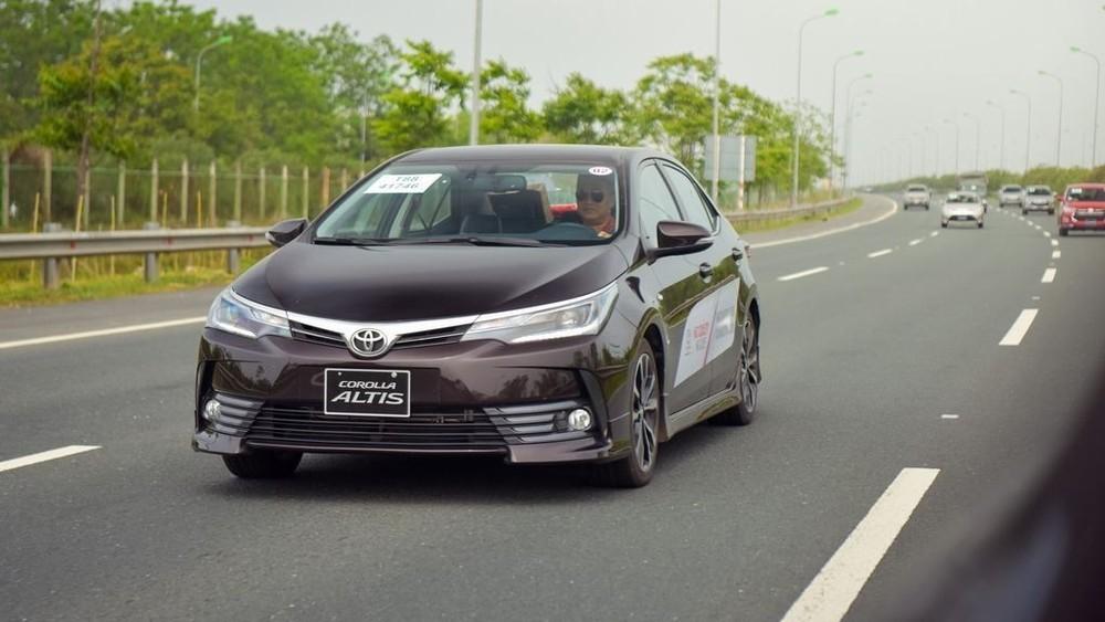 Toyota Corolla Altis 2019 tiếp tục bị triệu hồi tại Việt Nam để thay thế bơm xăng nhưng rất may chỉ có 166 xe.