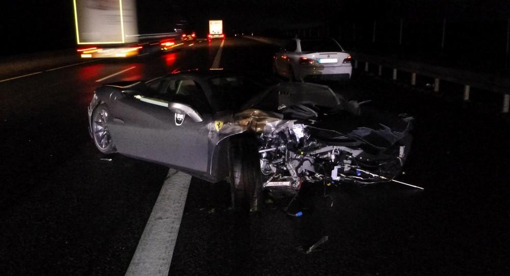 Hiện trường vụ tai nạn của chiếc siêu xe Ferrari F8 Tributo