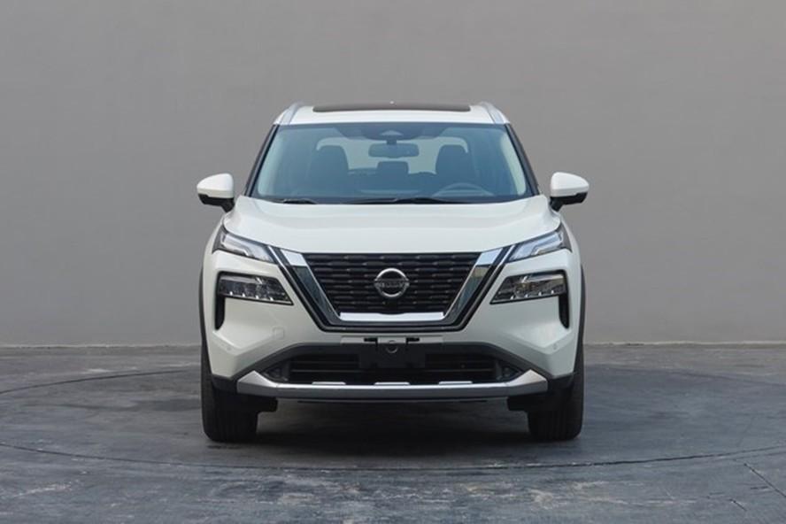 Cận cảnh thiết kế đầu xe của Nissan X-Trail 2021