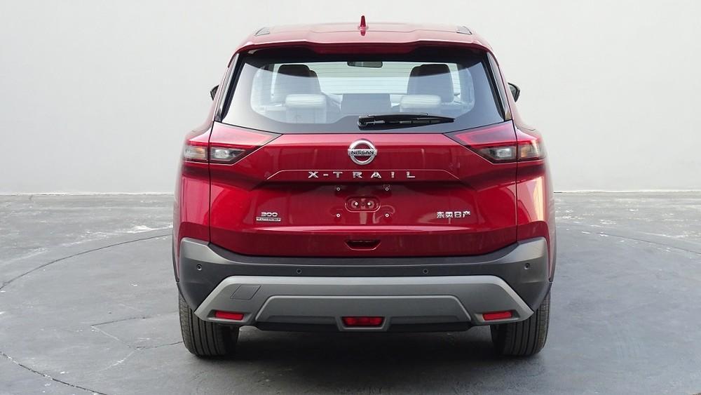 Nissan X-Trail 2021 nhìn từ phía sau