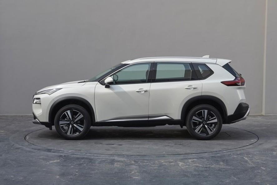 Nissan X-Trail 2021 có kích thước lớn hơn một chút so với xe ở Mỹ