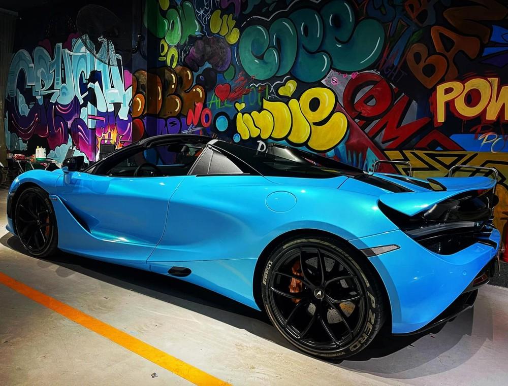 Thời gian mở mui thực tế của siêu xe mui trần McLaren 720S Spider chỉ khoảng 8 giây