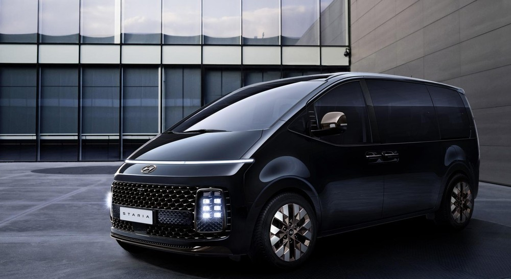 Thiết kế đầu xe của Hyundai Staria bản Premium 7 chỗ