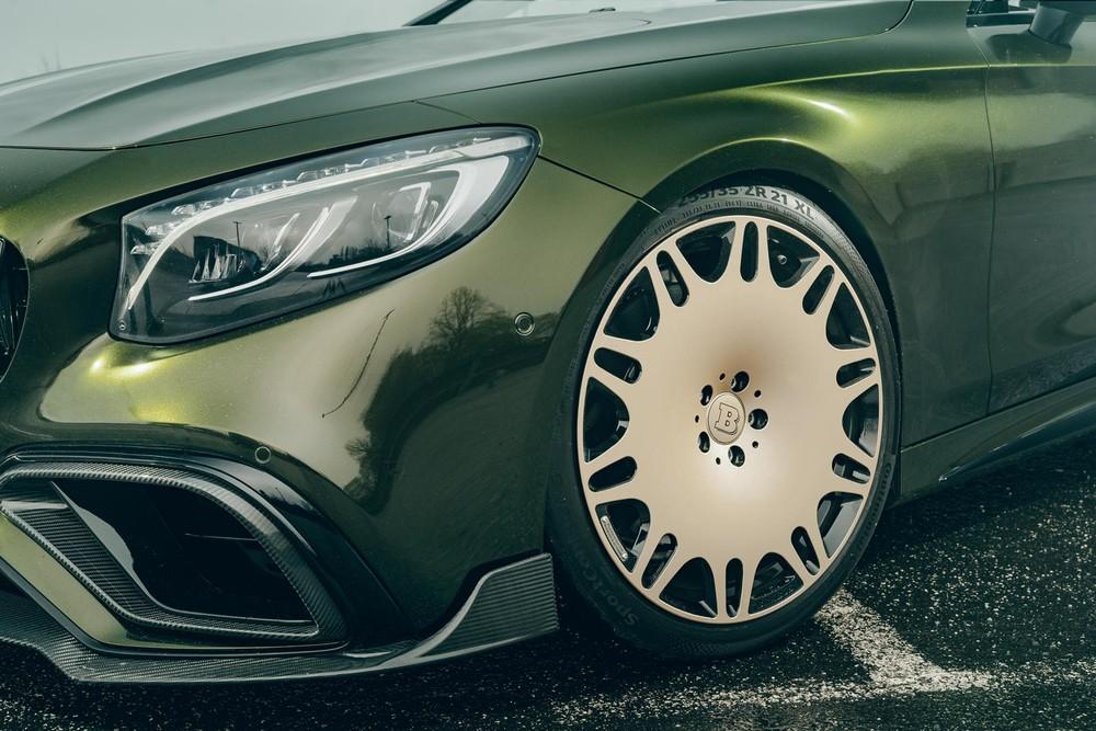 Cận cảnh bánh xecủa chiếc Mercedes-AMG S63 Convertible độ bởiBrabus và Fostla