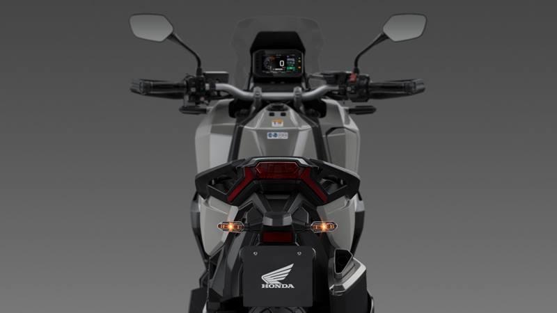 Đuôi xe Honda X-ADV 750 2021