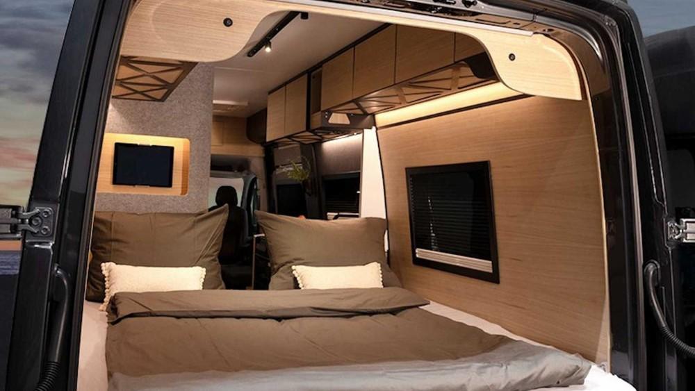 Không gian phía sau khi là dạng giường ngủ