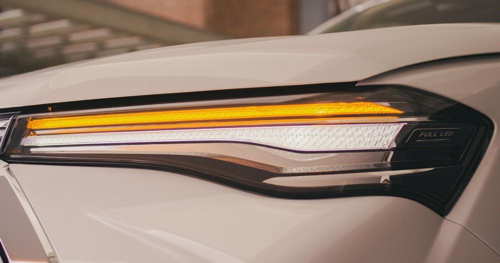 Cận cảnh cụm đèn pha 2 tầng của MG Extender 2021