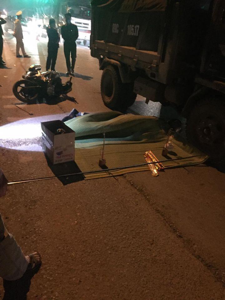 Người đàn ông đi xe máy tử vong tại chỗ